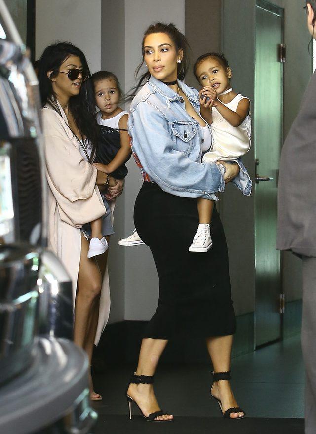 Sexy mamuśki i ich śliczne córeczki na mieście (FOTO)