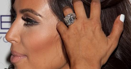 Pierścionek Zofii Ślotały wygląda jak ten u Kim Kardashian?