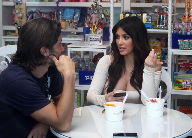 Kim Kardashian - a ja rosnę i rosnę! (FOTO)