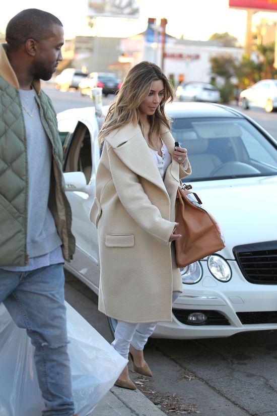 Kim Kardashian (prawie bez makijażu) na zakupach z Westem