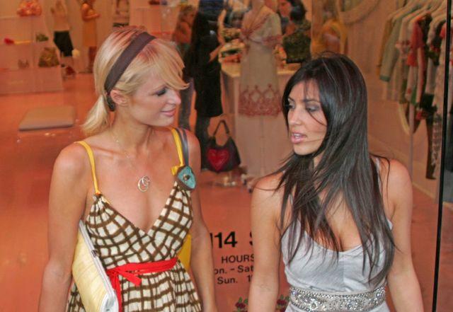 Tak wyglądały 10 lat - teraz Kim Kardashian znów zrobiła sobie zdjęcie z Paris