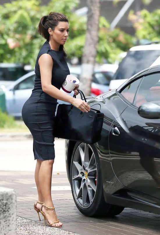 Z ostatniej chwili! PUPA Kim Kardashian ZNIKA!