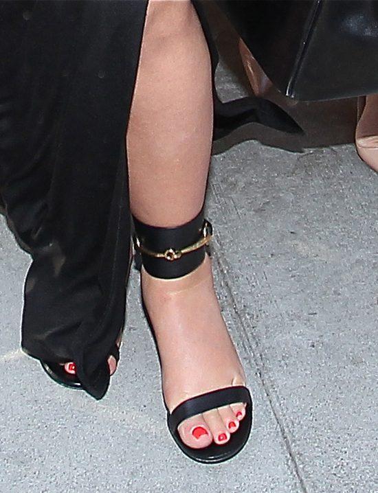 Kim Kardashian w 5. miesi�cu ci��y - zdradza, ile przyty�a