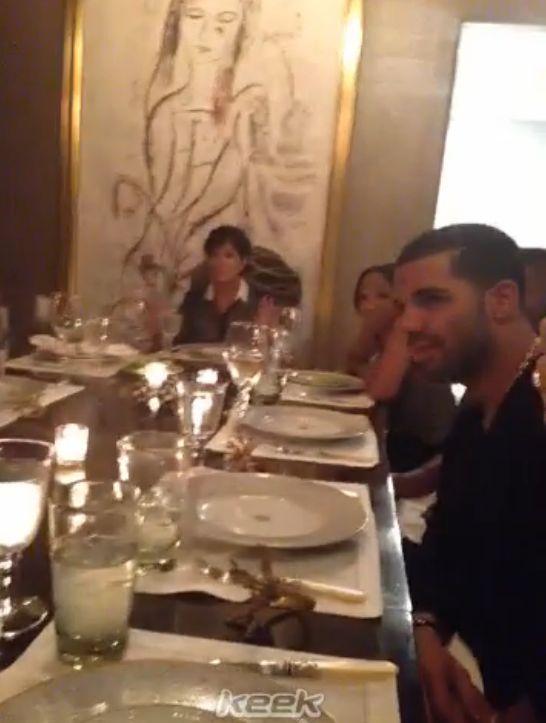 Jak wygląda zwykły obiad u Kardashianów? (VIDEO)