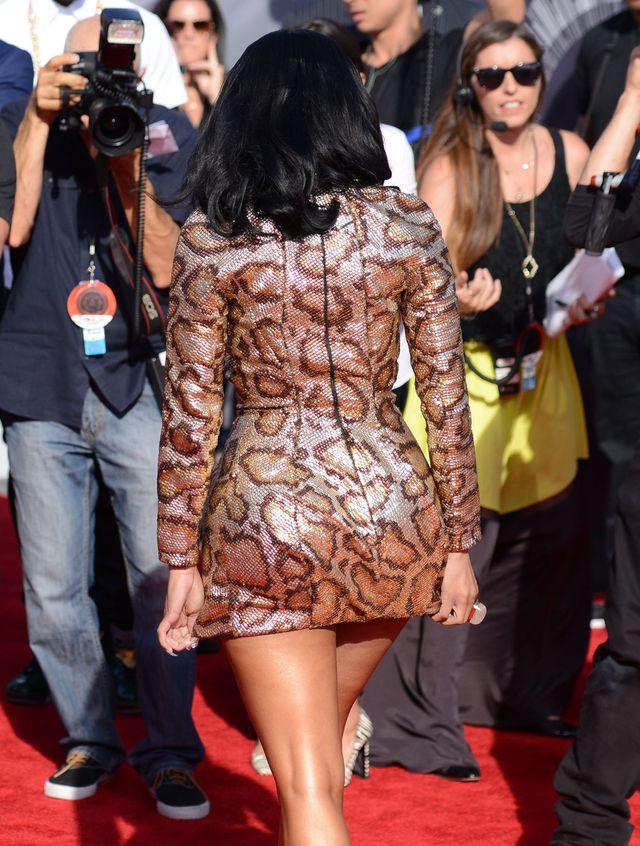 Pupa Nicki Minaj kontra tyłek Kim - który kusi internautów?