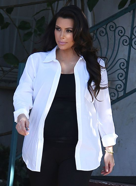 Kim Kardashian urodzi, jako rozwódka czy mężatka?