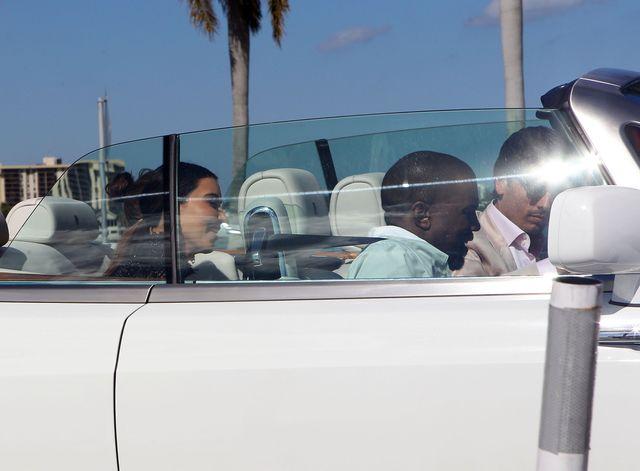 Kanye West pójdzie na VMAs bez Kim Kardashian