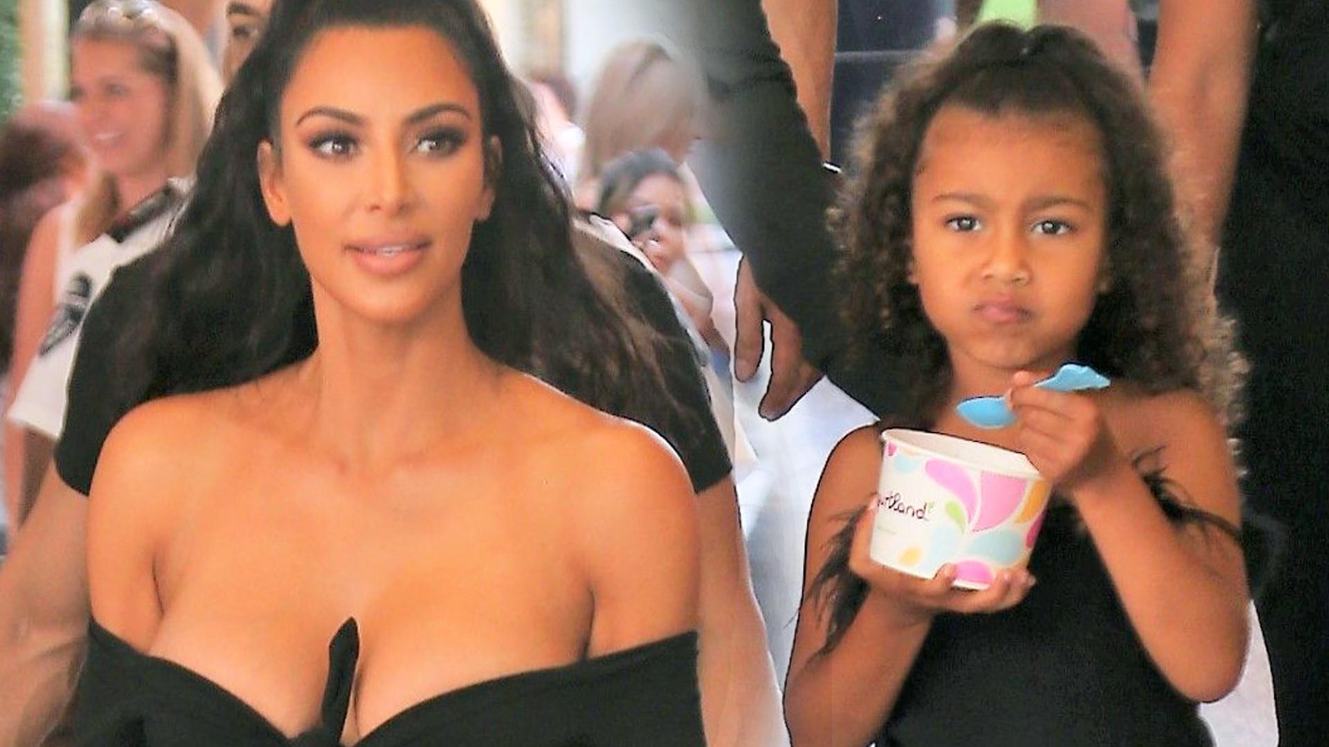 Kim Kardashian z ledwo zakrytym BIUSTEM paraduje z North (ZDJĘCIA)