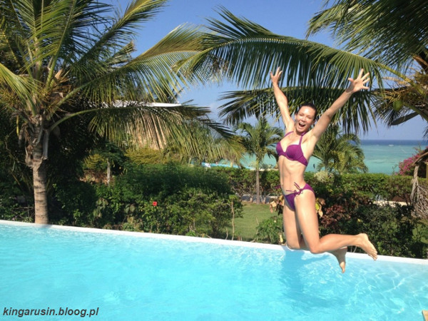 Kinga Rusin zamieniła palto na bikini