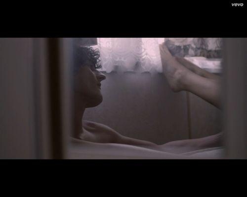 Dawid Podsiadło pokazał w klipie seks? [VIDEO]