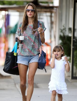 Alessandra Ambrosio z córką (FOTO)