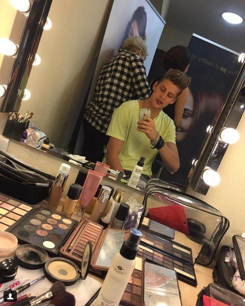 Jakob Kosel zapuścił włosy (Instagram)