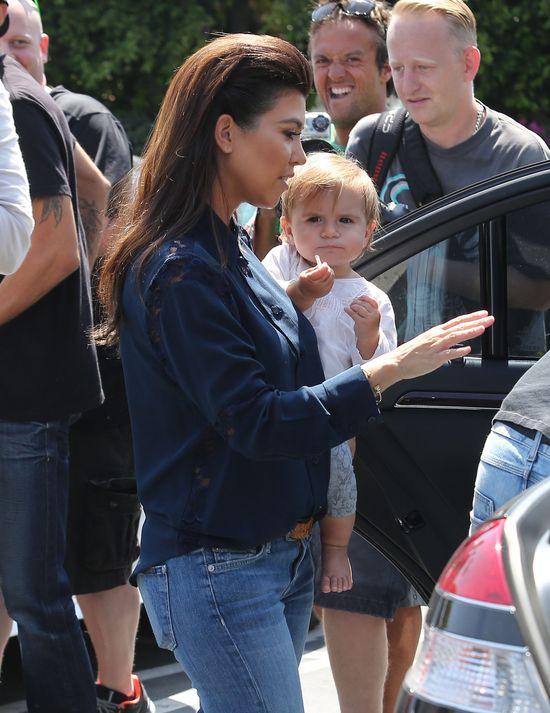 Córeczka Kourtney Kardashian rośnie jak na drożdżach (FOTO)