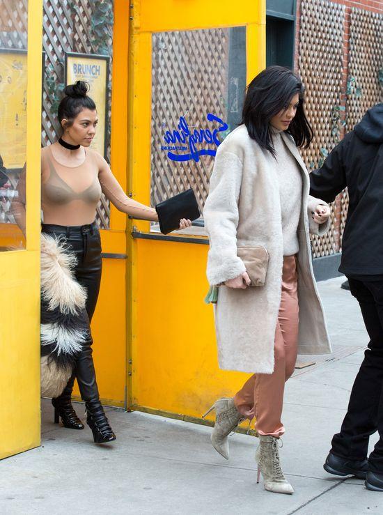 Kourtney Kardashian wykorzystala Kylie Jenner do...