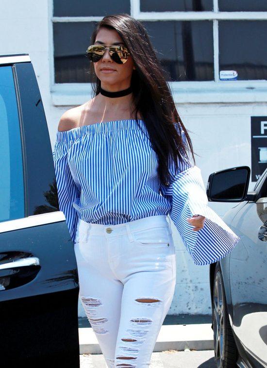 Chcesz być trendy, podglądaj Kourtney Kardashian (FOTO)