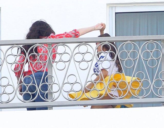 Czy Kourtney Kardashian chodzi bez majtek? (FOTO)