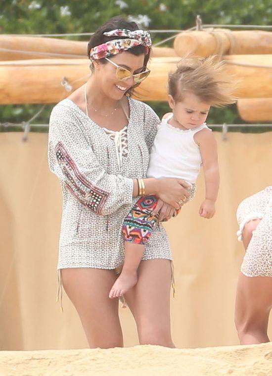 Jak Kourtney Kardashian spędziła urodziny i święta? (FOTO)