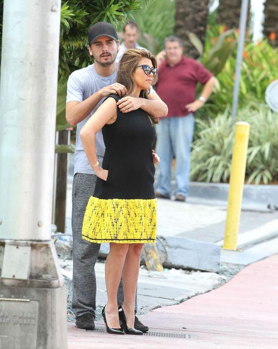 Kourtney Kardashian - po ci��y ani �ladu (FOTO)
