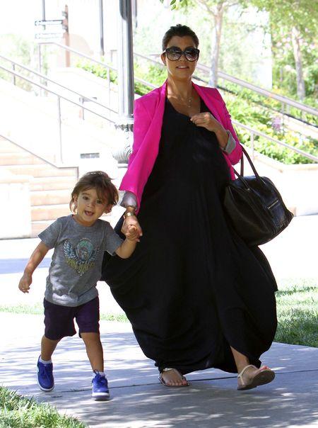 Kourtney Kardashian ma już naprawdę duży brzuch (FOTO)
