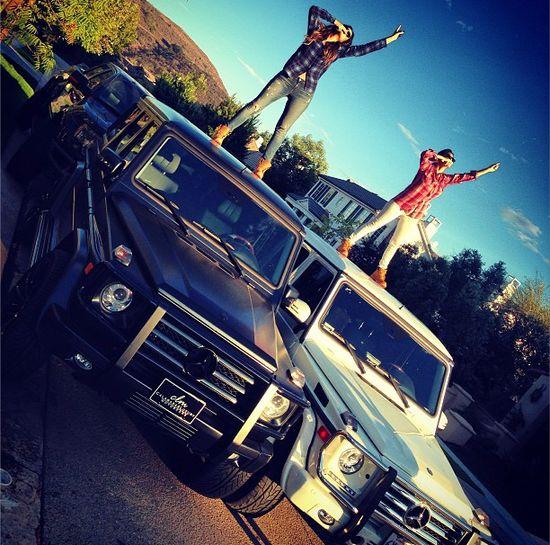 Po co Kardshiankom super drogie auta? (FOTO)
