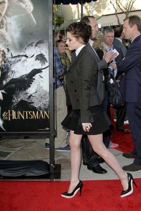 Kristen Stewart jak sekretarka (FOTO)