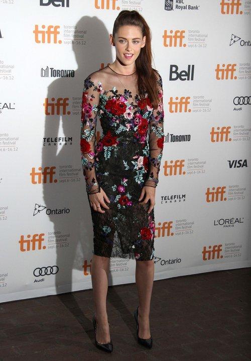 Kristen Stewart - pierwszy czerwony dywan po zdradzie (FOTO)