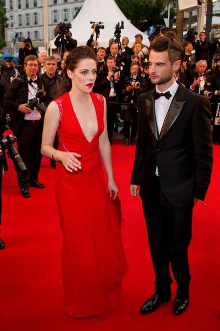 Kristen Stewart błysnęła biustem w Cannes (FOTO)