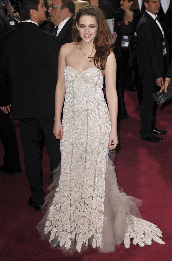 Kristen Stewart  - co się stało z jej nogą?