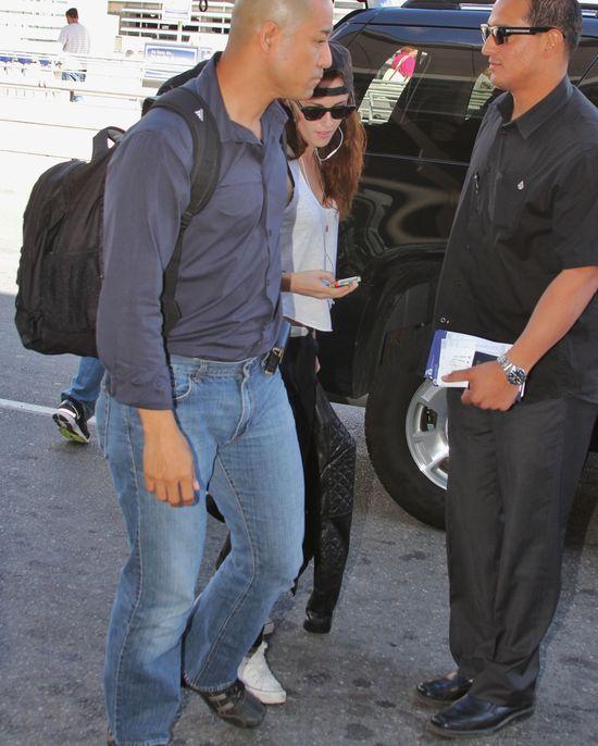 Kristen Stewart nadal w czapce Roberta Pattinsona (FOTO)