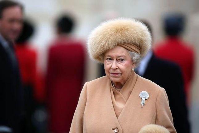 Majtki Królowej Elżbiety II na sprzedaż (FOTO)