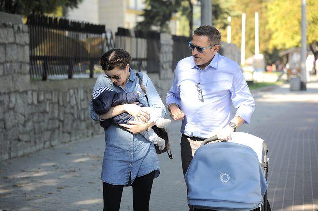 Kto zwrócił uwagę Paulinie Krupińskiej, gdy karmiła dziecko
