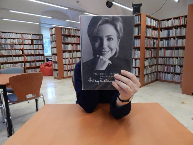 Carrie z książki Kinga w lubelskiej bibliotece (FOTO)