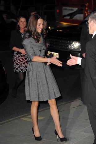 Księżna Catherine w tweedowej sukience (FOTO)