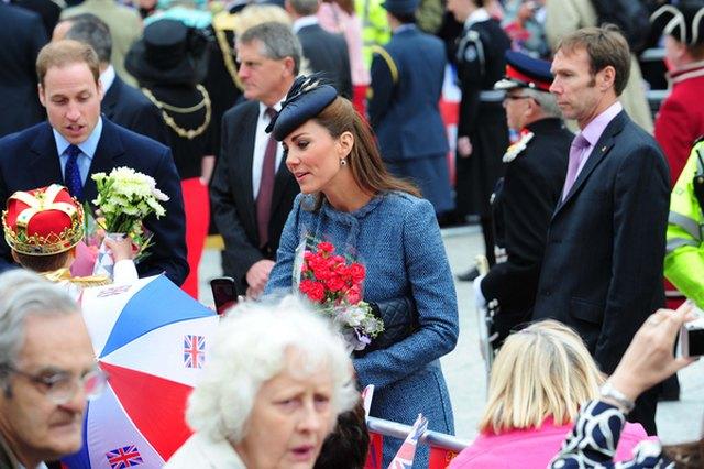 Ten płaszcz księżnej Catherine już widzieliśmy... (FOTO)