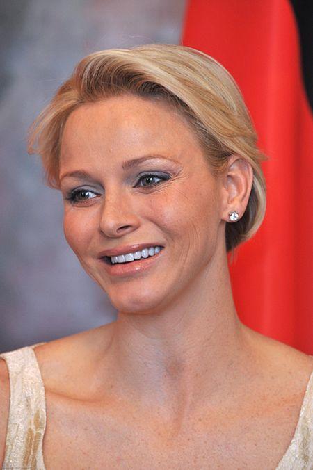 Księżna Monako, Charlene, chce być drugą Kate?