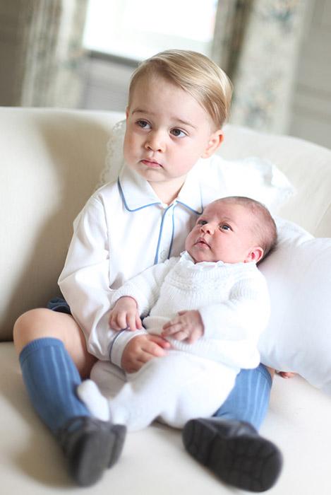 Ksi�na Kate i ksi��� William pochwalili si� nowym zdj�ciem!