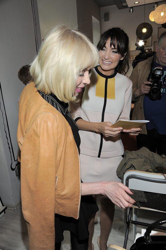 Dominika Kulczyk z mamą promują książęczkę dla dzieci (FOTO)