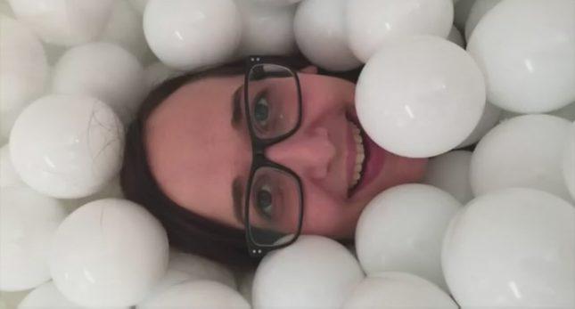 Chciałbyś się wykąpać w basenie pełnym piłeczek? [VIDEO]