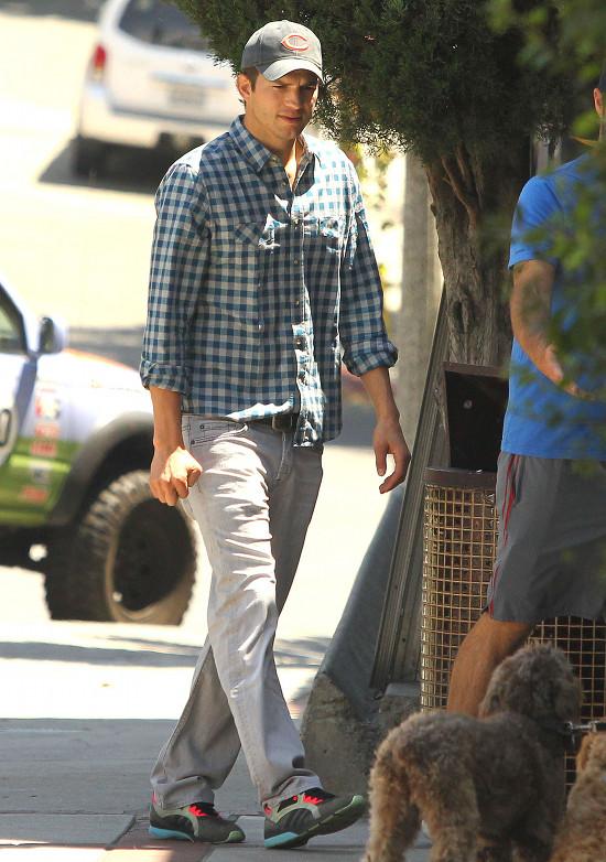 Ashton Kutcher jako Steve Jobs