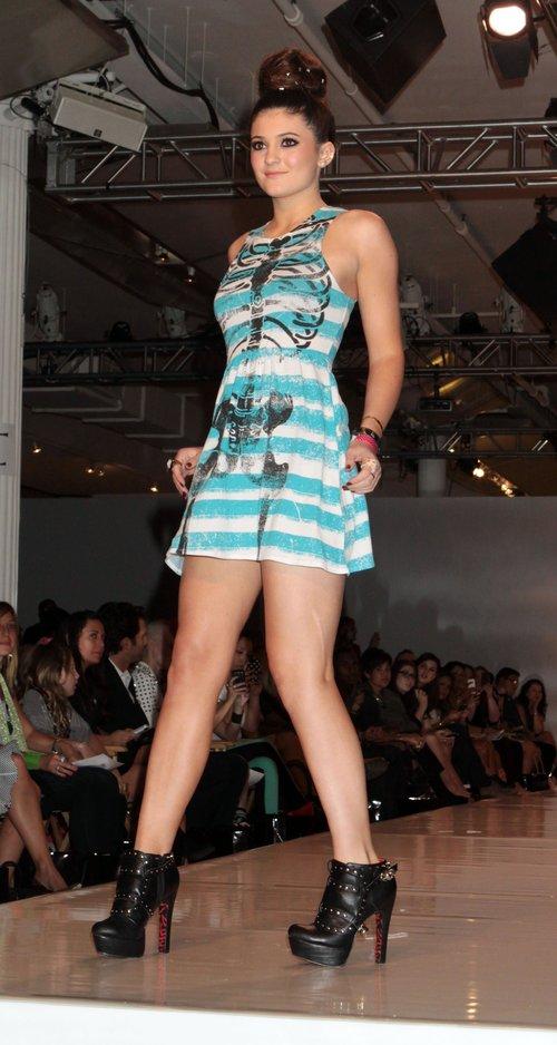 Czy Kylie Jenner nadaje si� na modelk�? (FOTO)