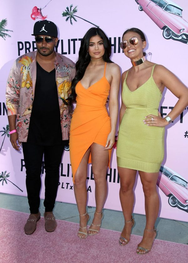 Kto miał na imprezie taką samą sukienkę jak Kylie Jenner? (FOTO)