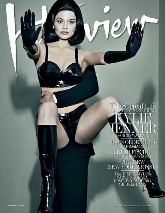 Kylie Jenner - plastikowa lala z gołą pupą w Interview