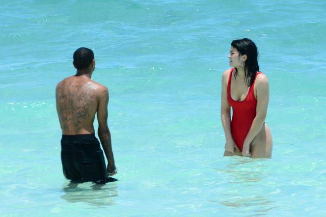 Co się stało z biustem Kylie Jenner? Jest OGROMNY! (INS)