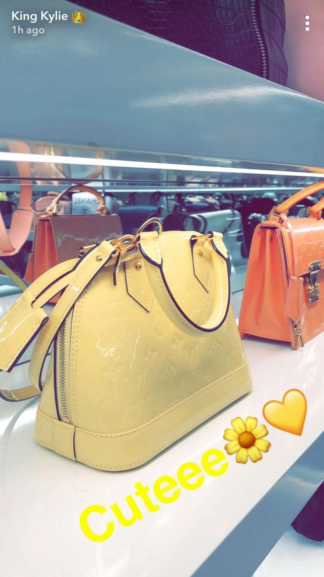 Jeśli kochasz torebki, na widok garderoby Kylie Jenner będziesz szlochać