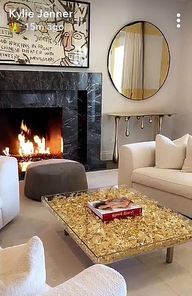 Kylie Jenner pokazała swój salon, ale coś w nim jest nie tak