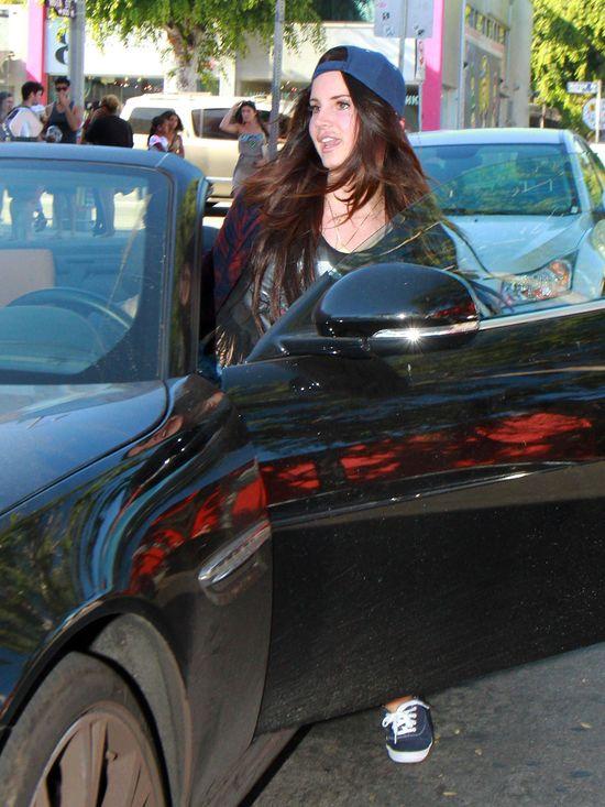 Lana Del Rey tego lata się nie smuci? (FOTO)