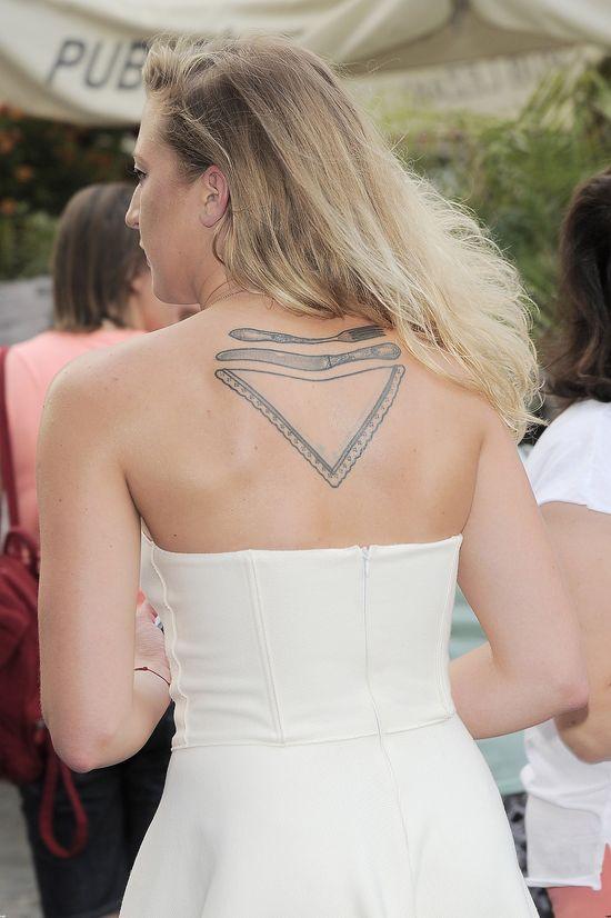 Lara Gessler zaszalała z długością sukienki... (FOTO)