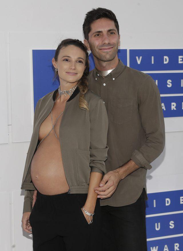 Nawet Kim Kardashian w ciąży nie pokazała tyle, ile ona na gali VMA (FOTO)