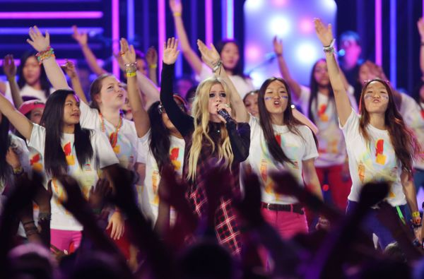 Avril Lavigne jest w ciąży? (FOTO)