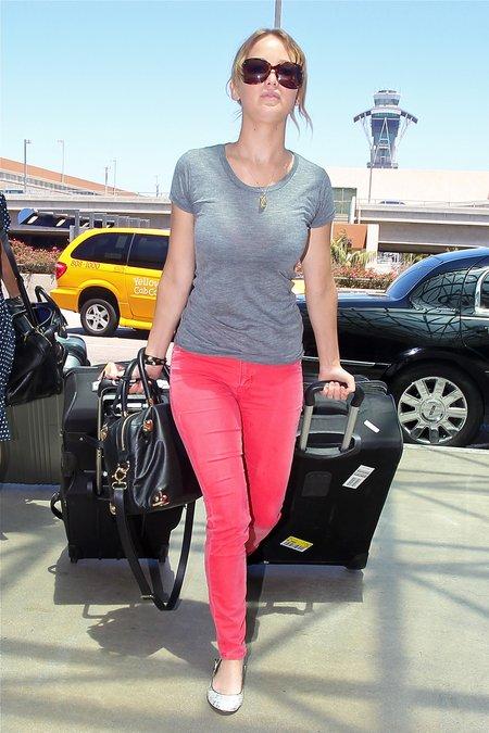 Jennifer Lawrence - konkurencja dla boskiej Scarlett? (FOTO)